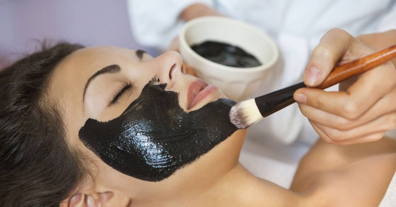 Activated Charcoal: Benefits on the Skin and Hair