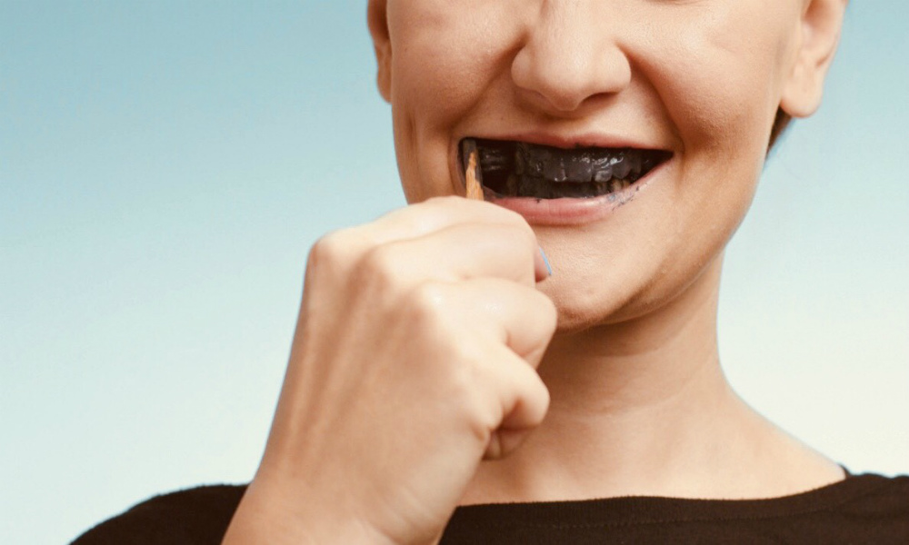 Instruction On Using Charcoal Powder To Whiten The Teeth